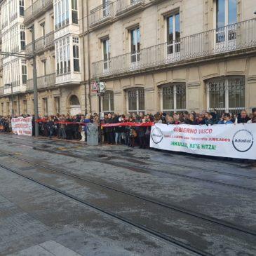 Concentración Parlamento Vasco y reunión con Elkarrekin Podemos 20/12/19